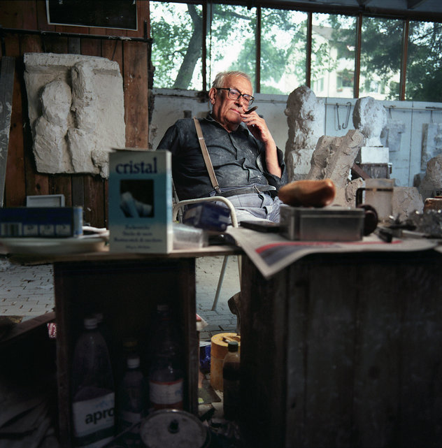 Dal 1938 attivo a Zurigo come artista e scultore Hans Josephsohn, il 16 . Luglio 2004, il suo studio a Zurigo